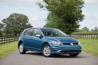 2019_VW_Golf_Front_Right